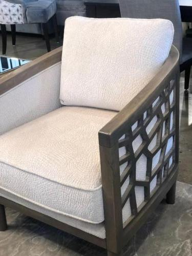 LTD 6724 COLLECTION ACCENT CHAIR